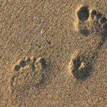 1000 benefici di camminare scalzi
